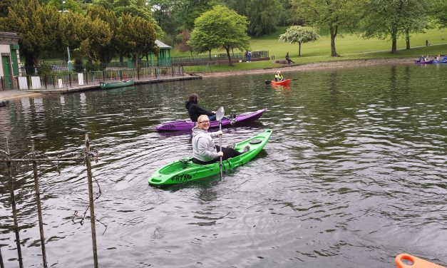 Guides and Senior Section Enjoy Kayaking at Thompson Park